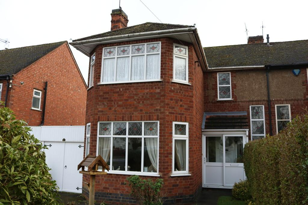 3 Bedrooms Semi Detached House for sale in Coventry Road, Kenilworth