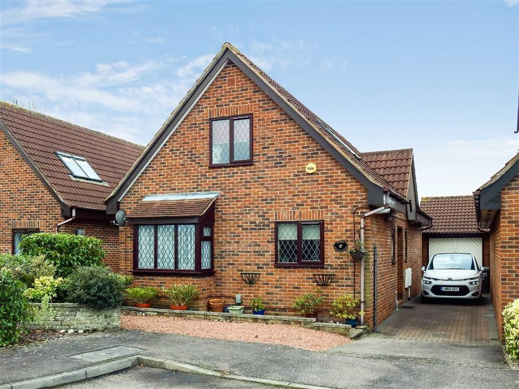 3 Bedrooms Detached Bungalow for sale in Hilton Close, Stevenage, Hertfordshire, SG1