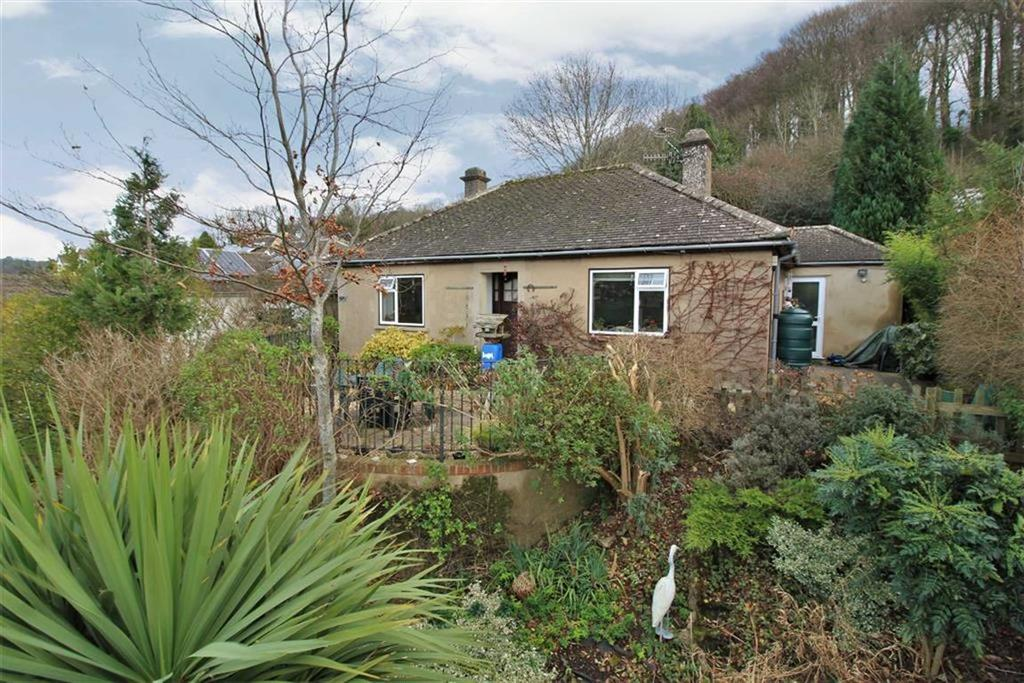 2 Bedrooms Detached Bungalow for sale in Thrupp Lane, Thrupp, Gloucestershire