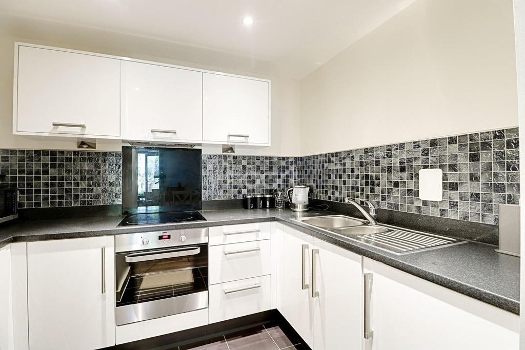 3 Bedrooms Flat for sale in Plamer Court, Charcot Road, NW9
