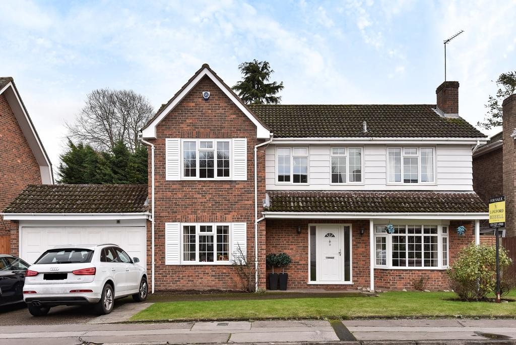 5 Bedrooms Detached House for sale in Robin Hill Drive Chislehurst BR7