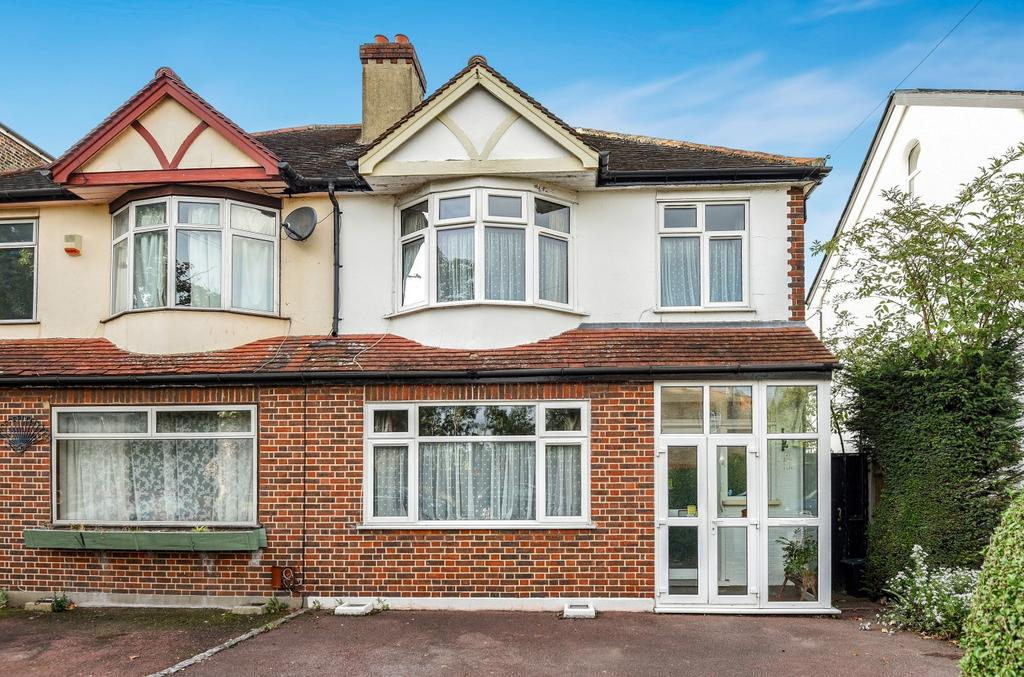 3 Bedrooms Semi Detached House for sale in Gwydor Road Beckenham BR3