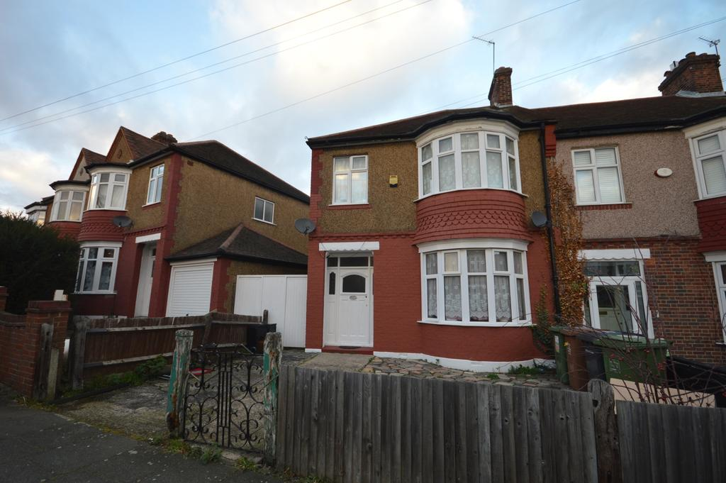 3 Bedrooms Terraced House for sale in Clowders Road Catford SE6