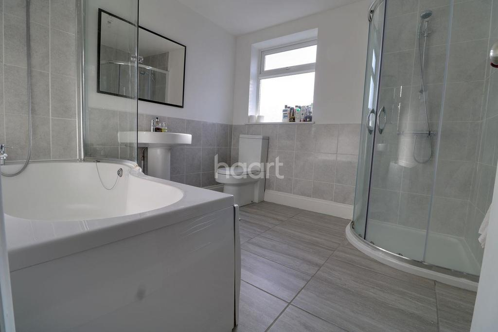 3 Bedrooms Terraced House for sale in Grove Hill.