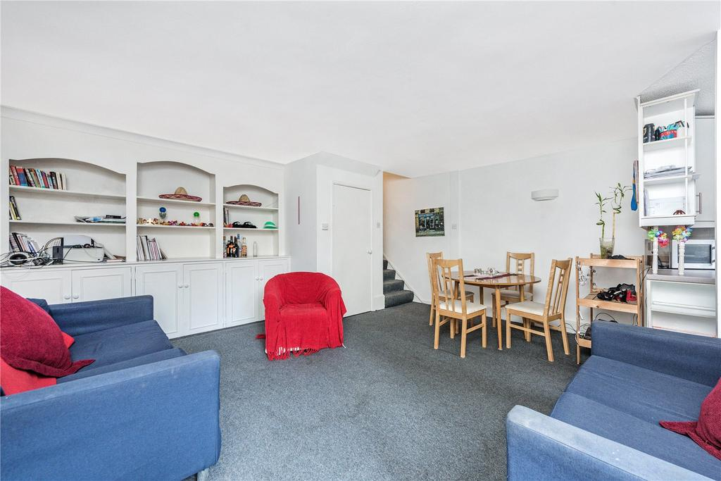 3 Bedrooms Flat for sale in Priory House, 12 Rampayne Street, London