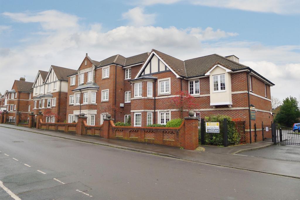 1 Bedroom Retirement Property for sale in FAREGROVE COURT, FAREHAM