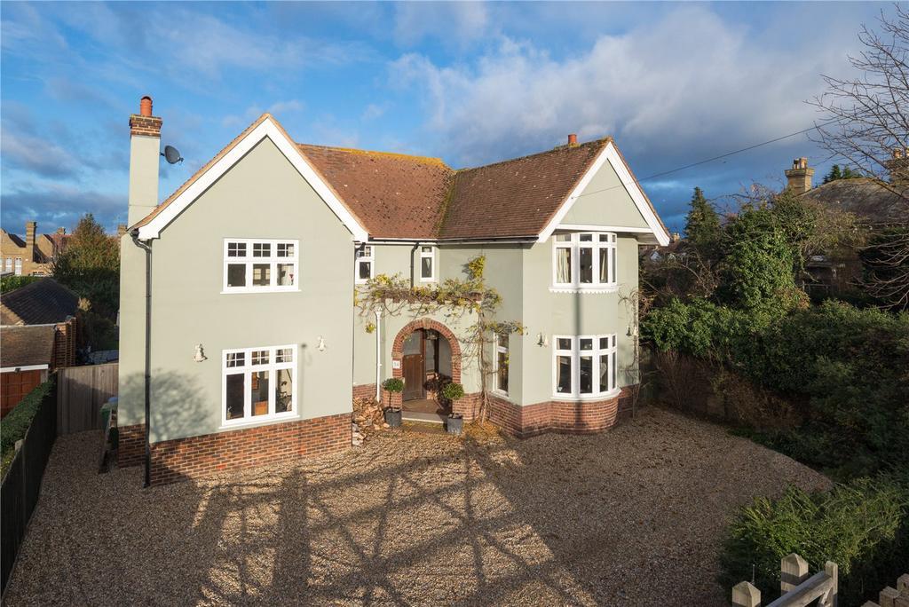 4 Bedrooms Detached House for sale in London Road, Faversham, Kent