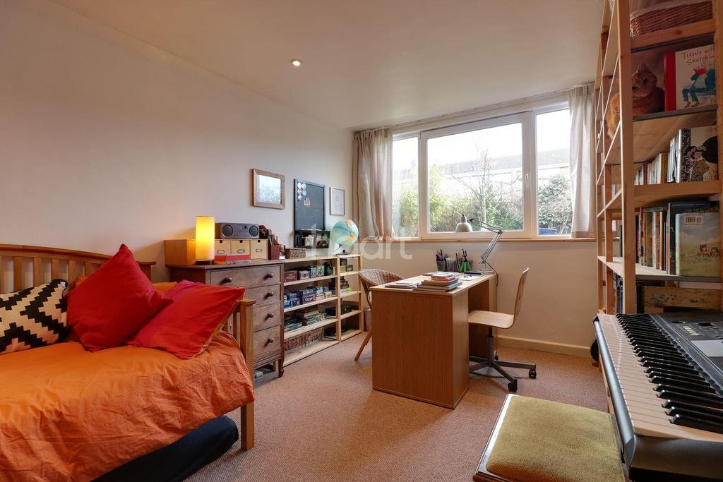 2 Bedrooms Flat for sale in High Street, Shirehampton