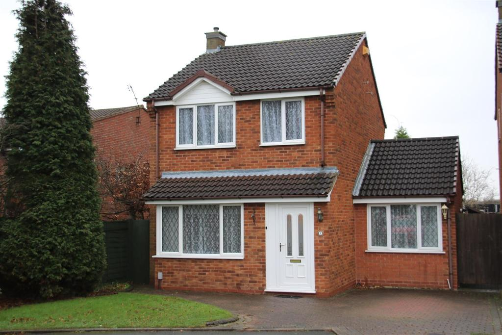 3 Bedrooms Detached House for sale in Lyndale, Wilnecote, Tamworth