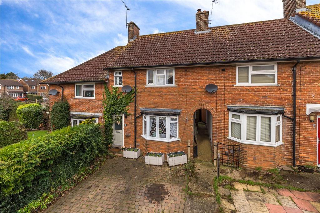 3 Bedrooms Terraced House for sale in Hilltop, Redbourn, St. Albans, Hertfordshire