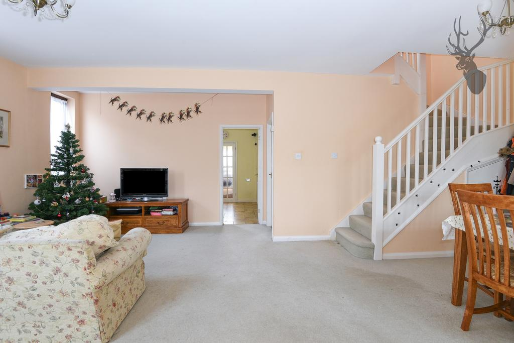 2 Bedrooms House for sale in Orchard Drive, Theydon Bois, CM16