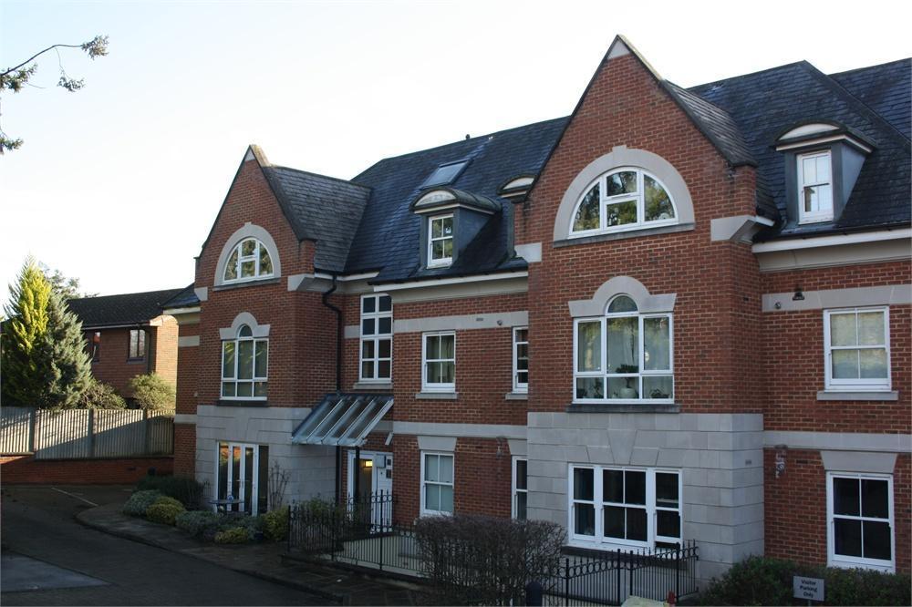 2 Bedrooms Apartment Flat for sale in 41 Shortheath Road, Farnham, Surrey