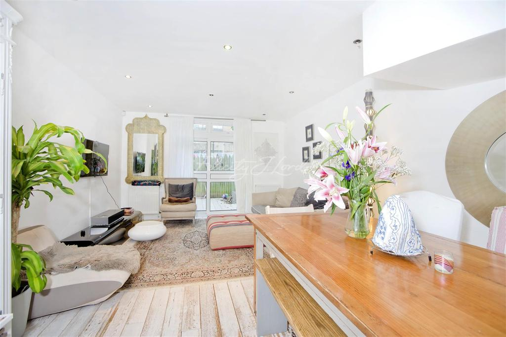 3 Bedrooms Detached House for rent in Noble Mews, Albion Rd N16