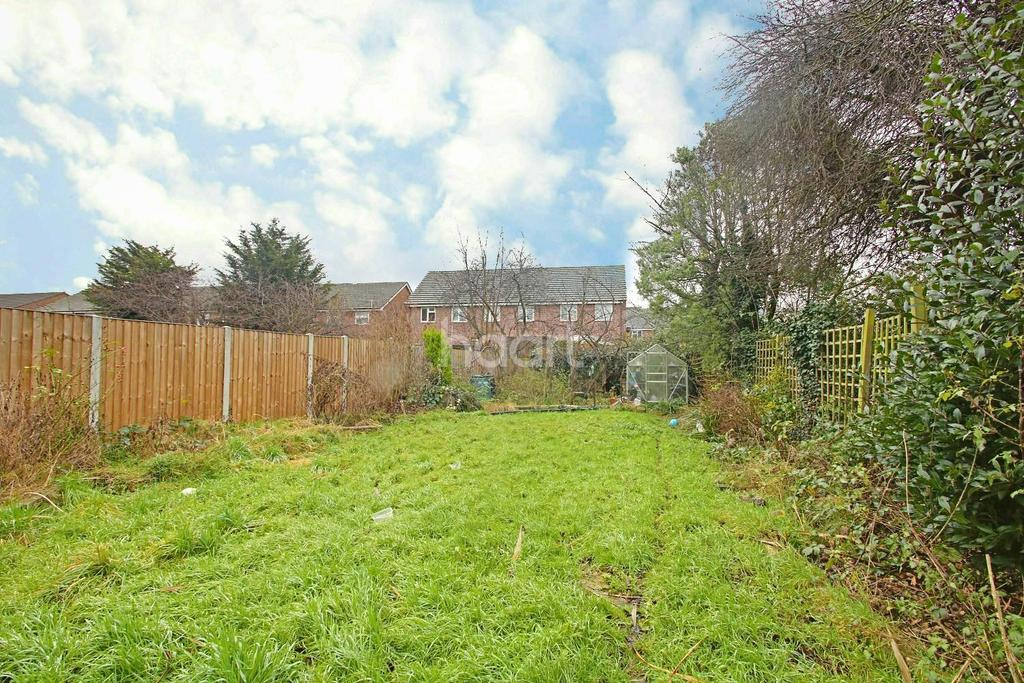 4 Bedrooms Semi Detached House for sale in Manser Road