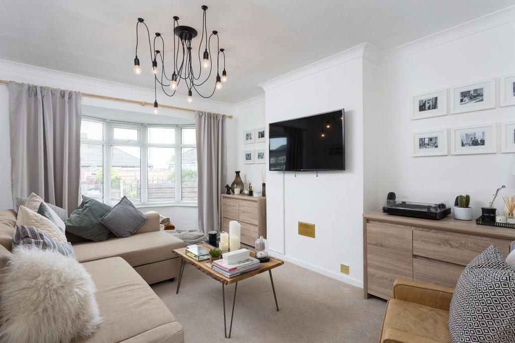 2 Bedrooms Bungalow for sale in Nursery Gardens, Osbaldwick, York