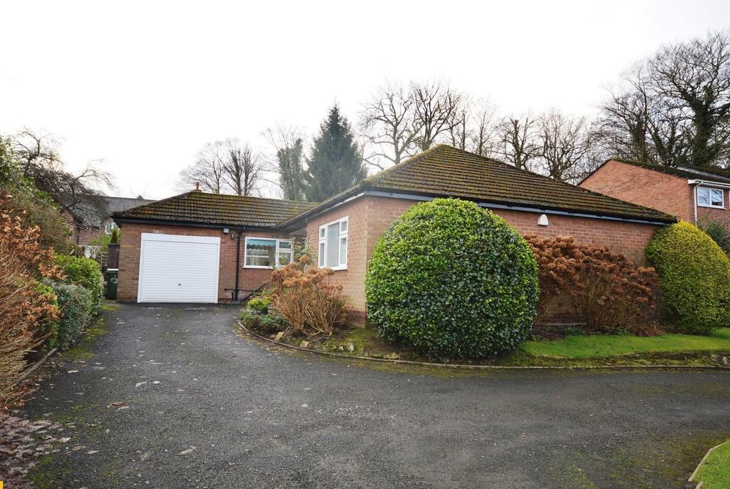 3 Bedrooms Detached Bungalow for sale in Pepper Street, Lymm