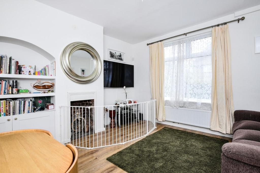 2 Bedrooms End Of Terrace House for sale in Shroffold Road, Bromley