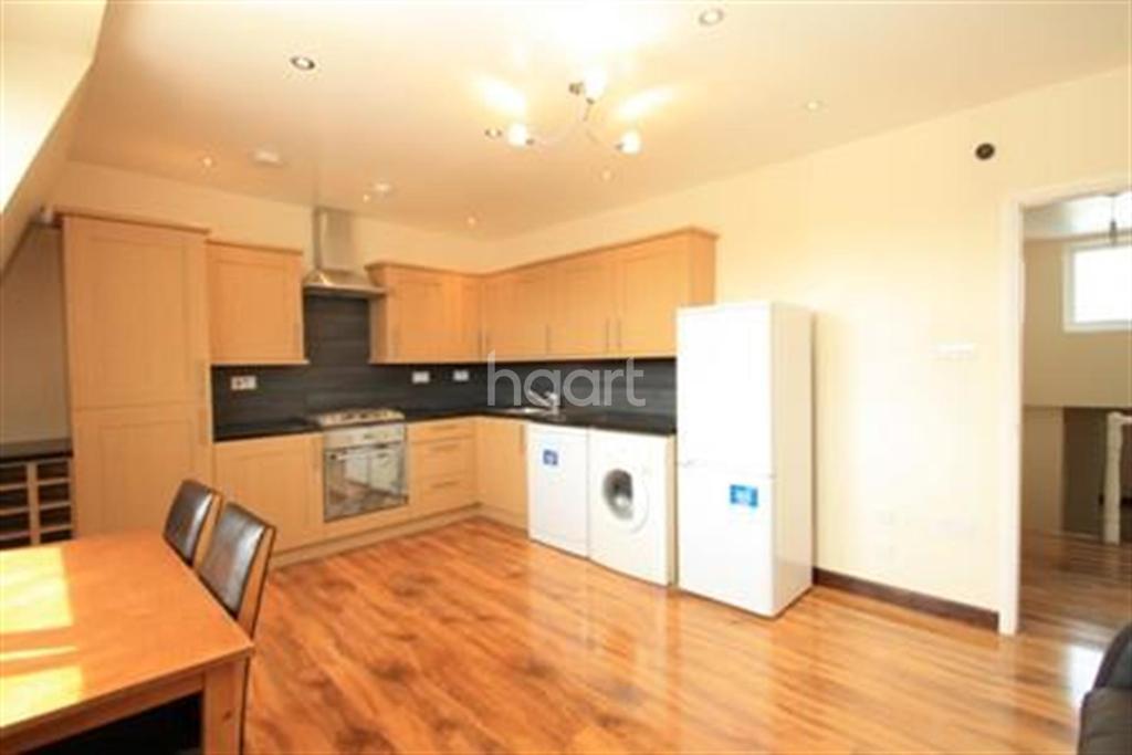 2 Bedrooms Flat for rent in Milkwood Road, Brixton