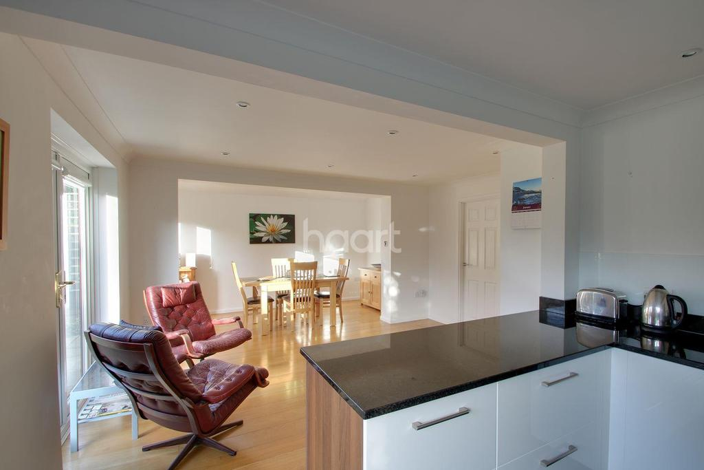 4 Bedrooms Detached House for sale in Gleneagles Close, Fornham St Martin