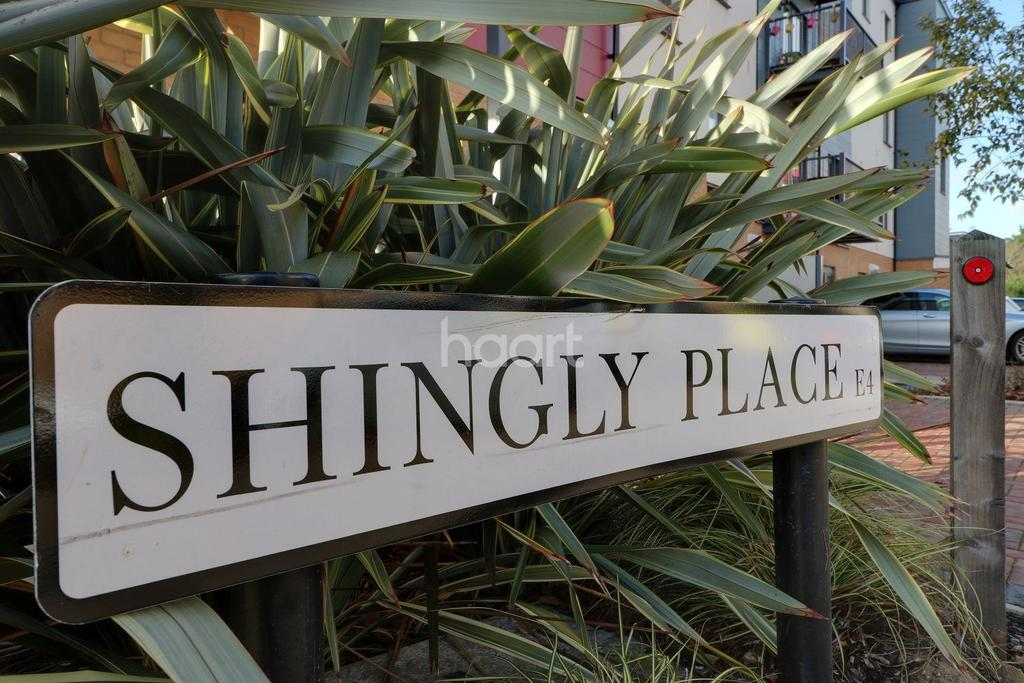 2 Bedrooms Flat for sale in Shingly Place, E4