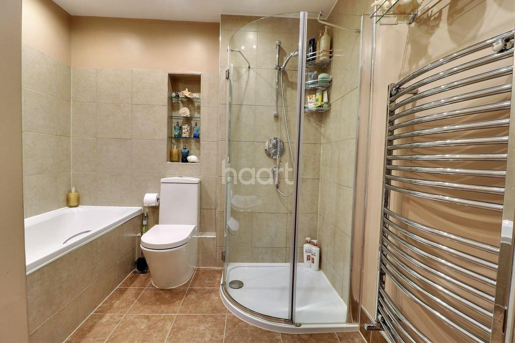 3 Bedrooms Cottage House for sale in Liphook Road, Lindford, Hampshire