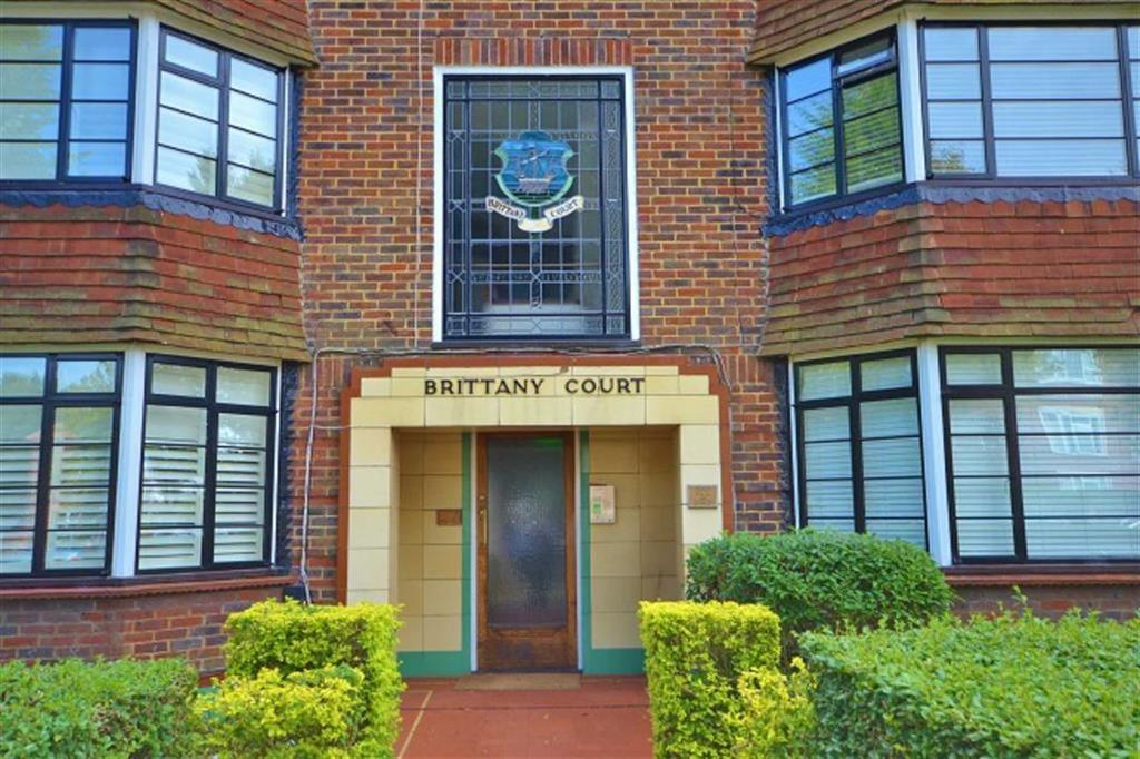 2 Bedrooms Flat for sale in Hove