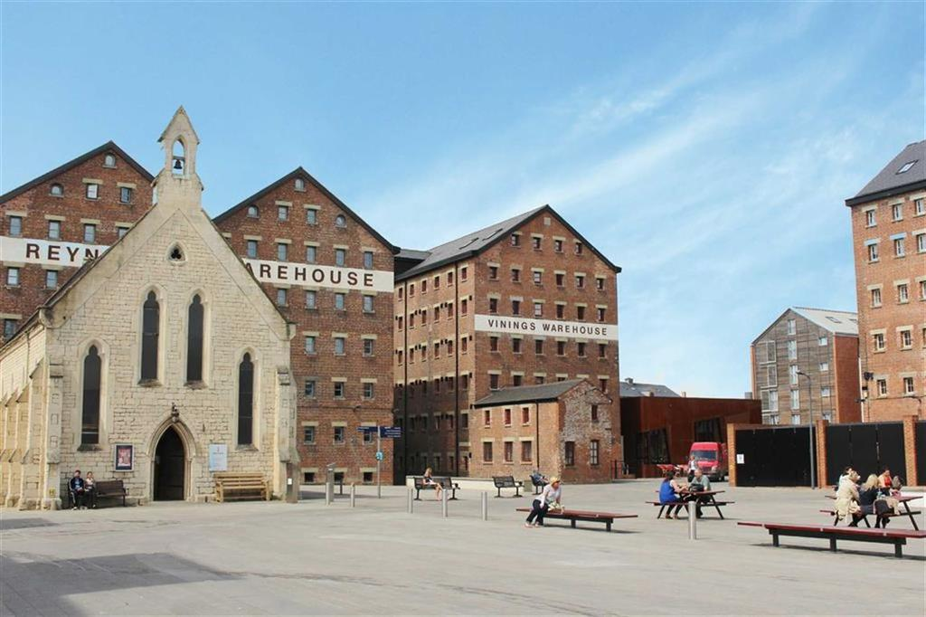 2 Bedrooms Penthouse Flat for sale in Vinings Warehouse, The Docks, Gloucester
