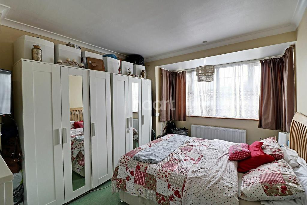 3 Bedrooms Semi Detached House for sale in Commuter Glory In Stopsley