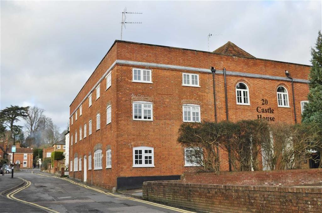 2 Bedrooms Apartment Flat for sale in Bear Lane, Farnham