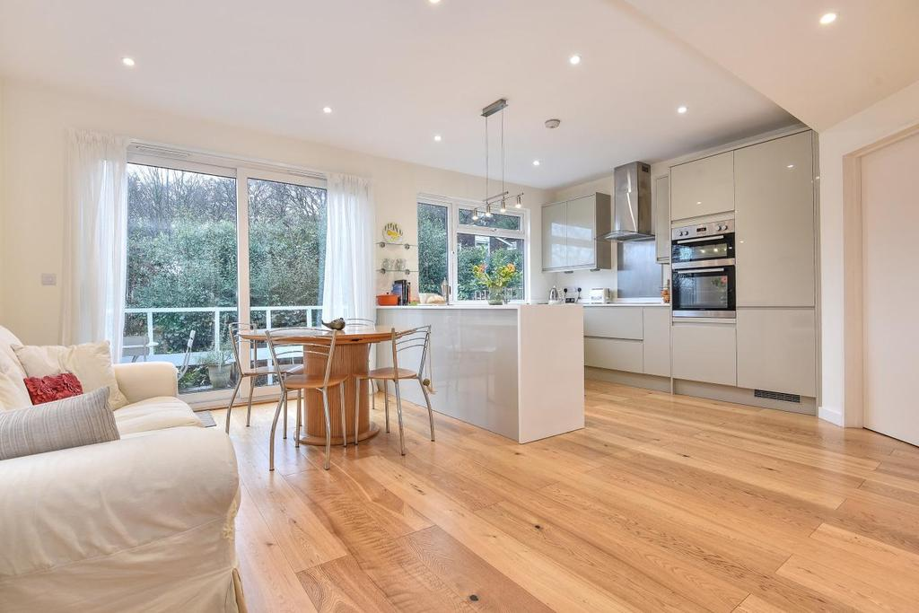 4 Bedrooms Detached House for sale in Great Brownings, Dulwich