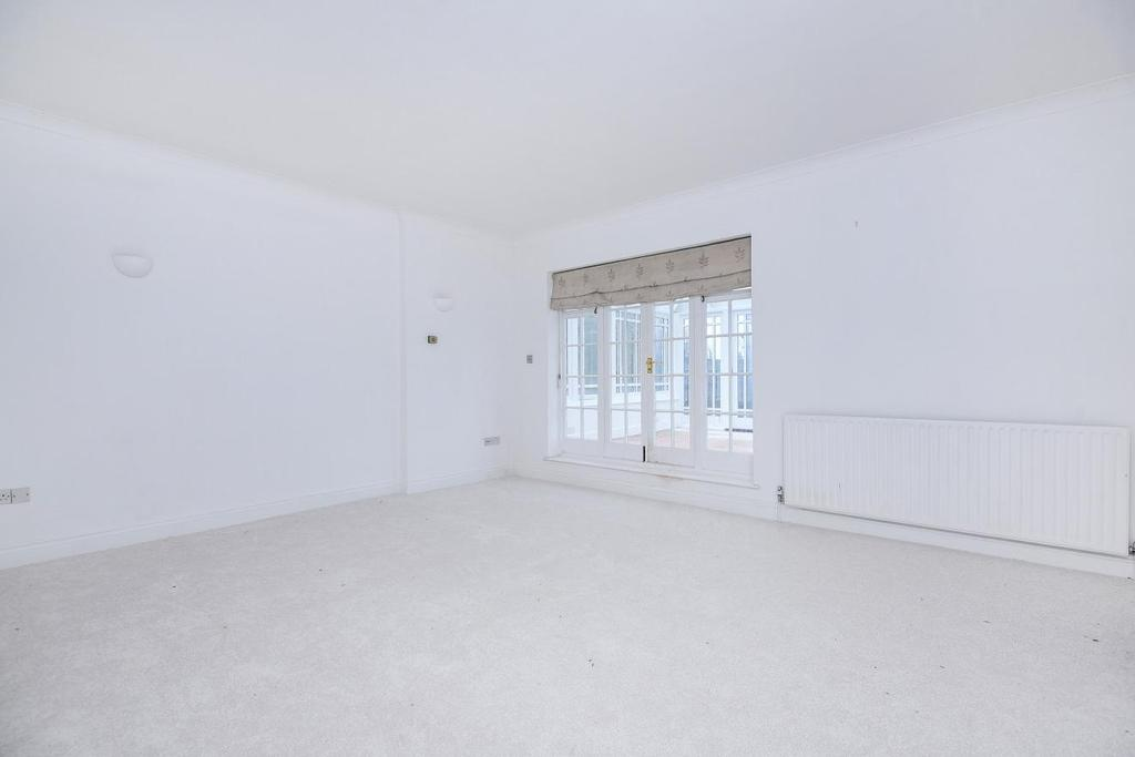 2 Bedrooms Flat for sale in The Grove, Highgate