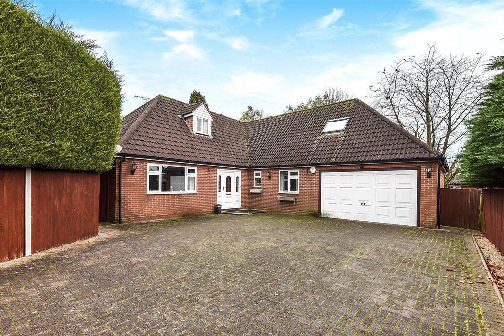 4 Bedrooms Detached House for sale in Dunmow Road, Bishop's Stortford, Hertfordshire, CM23