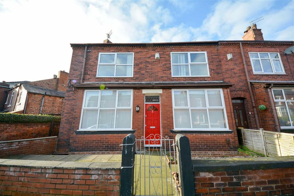 3 Bedrooms End Of Terrace House for sale in Hodges Street, Springfield, Wigan, WN6