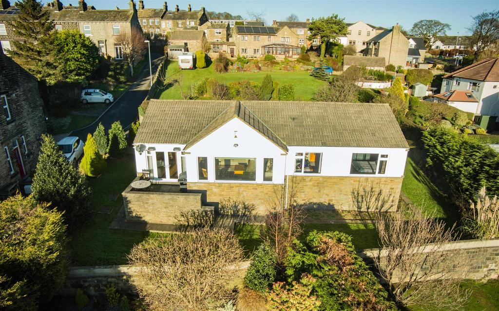 3 Bedrooms Detached Bungalow for sale in Airedale View, Rawdon