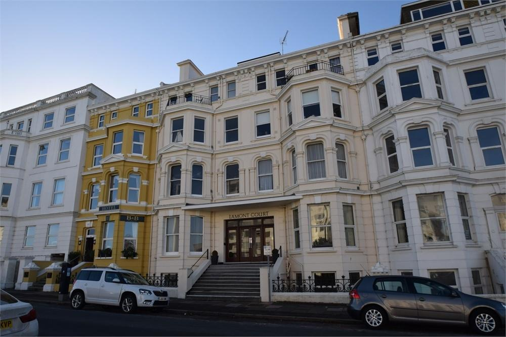 2 Bedrooms Flat for sale in Wilmington Square, Eastbourne, East Sussex