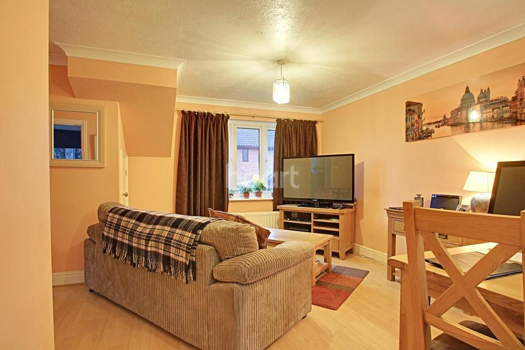 3 Bedrooms Semi Detached House for sale in Megs Way, Braintree
