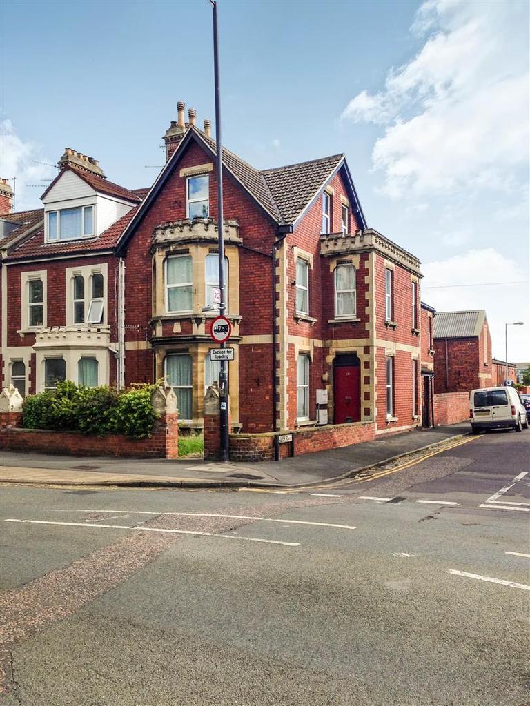 3 Bedrooms Maisonette Flat for sale in Avonmouth Road, Bristol