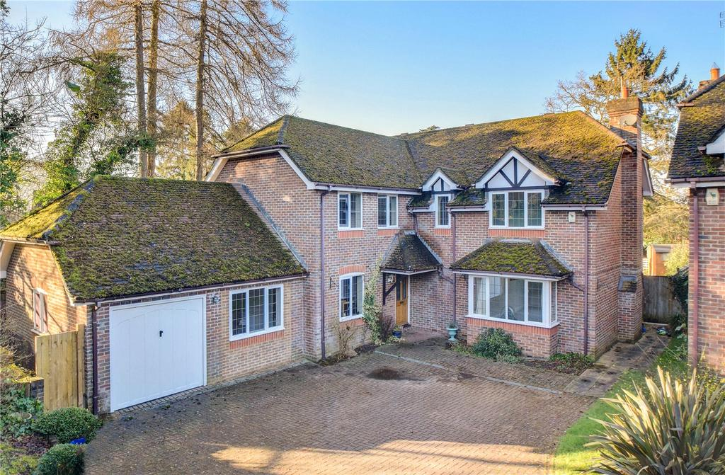 5 Bedrooms Detached House for sale in Badgers Holt, Rake Road, Liss, Hampshire