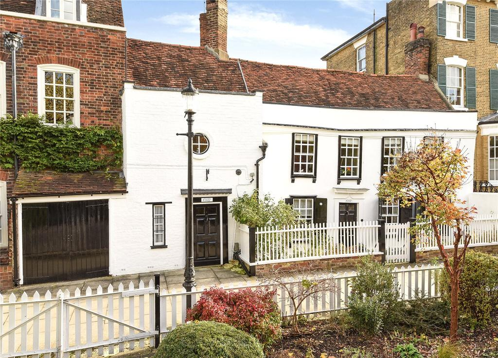 5 Bedrooms Terraced House for sale in Gentlemans Row, Enfield, EN2