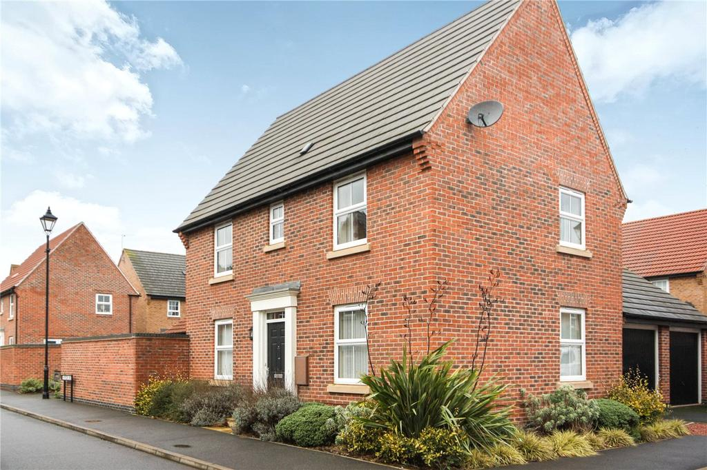3 Bedrooms Detached House for sale in Hampden Way, Greylees, Sleaford, Lincolnshire, NG34