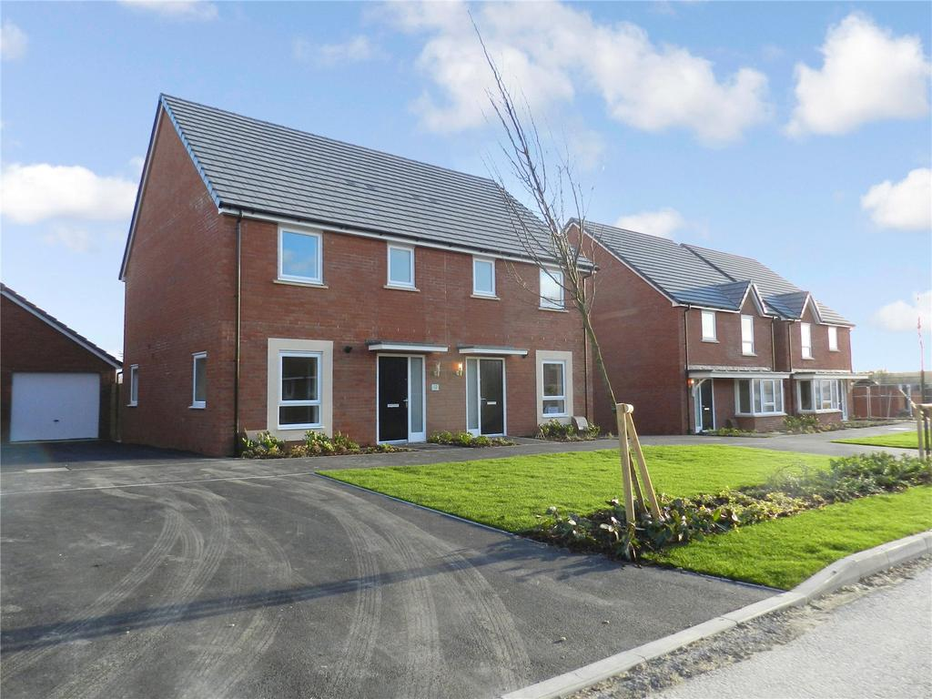 3 Bedrooms Semi Detached House for rent in Gray Street, Longhedge, Salisbury