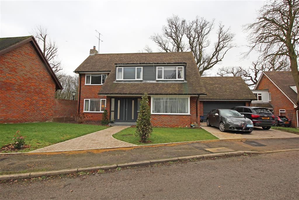 4 Bedrooms Detached House for sale in Chestnut Walk, Stevenage, SG1 4DD