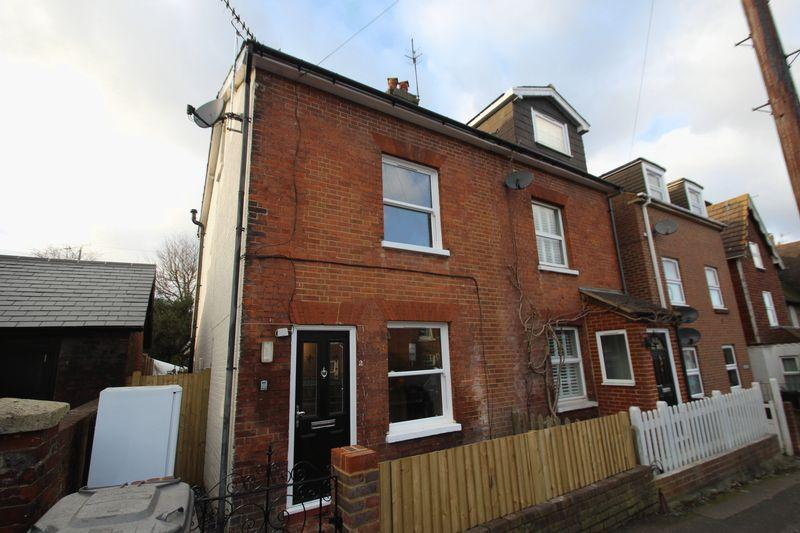 3 Bedrooms Semi Detached House for sale in Priory Street, Tonbridge