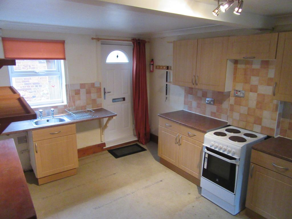 2 Bedrooms Terraced House for rent in The Tenters, Holbeach, Lincs
