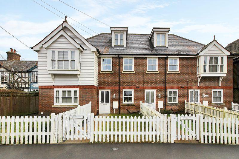 3 Bedrooms Town House for sale in Whitehill Road, Crowborough, East Sussex