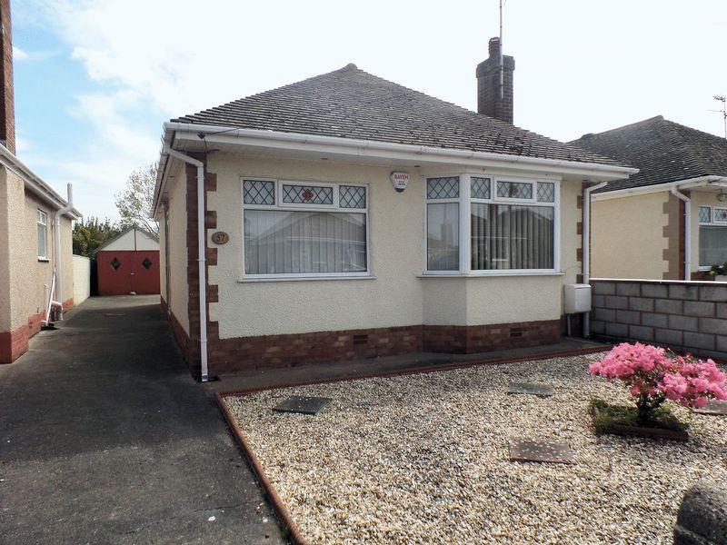 2 Bedrooms Detached Bungalow for sale in Garnett Drive, Prestatyn