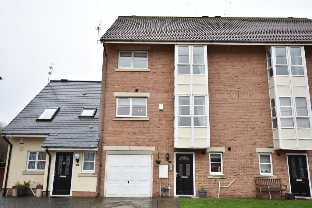 4 Bedrooms Terraced House for sale in Bromarsh Court, North Haven