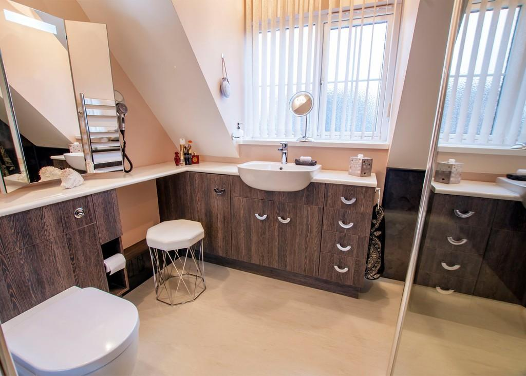 3 Bedrooms Detached House for sale in Saxon Court, Bessacarr