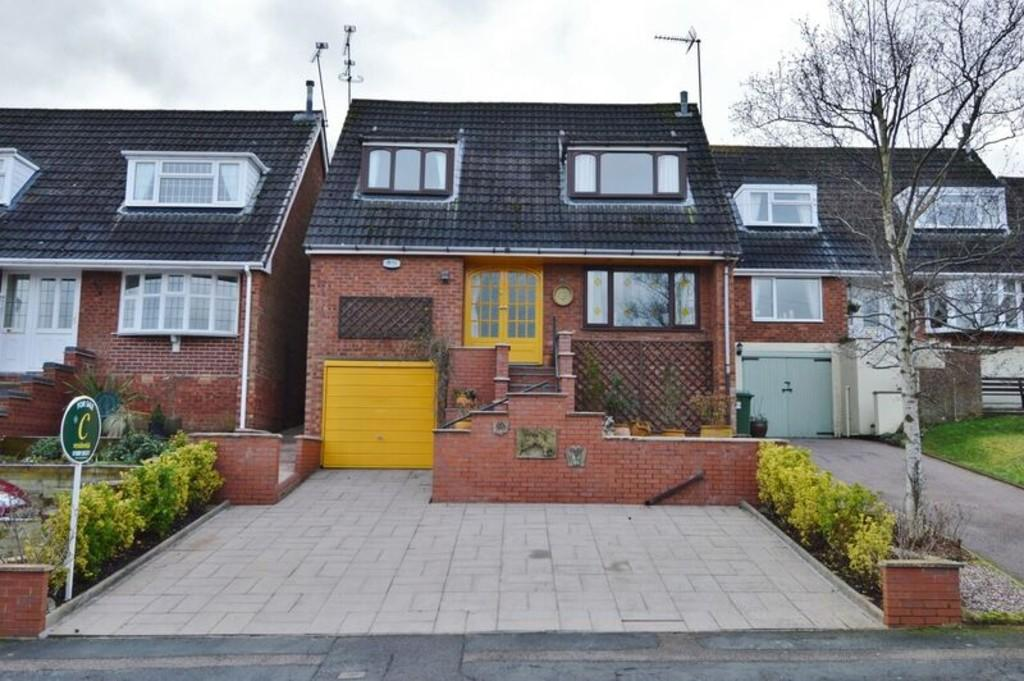 3 Bedrooms Detached House for sale in Farm Close, Etchinghill