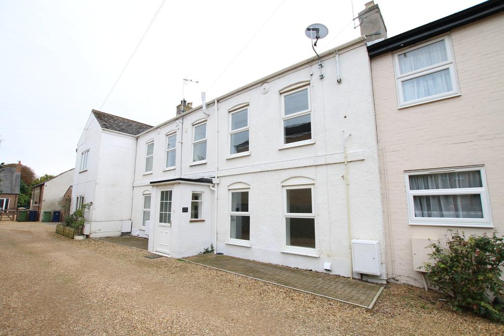 2 Bedrooms Terraced House for sale in High Street, March